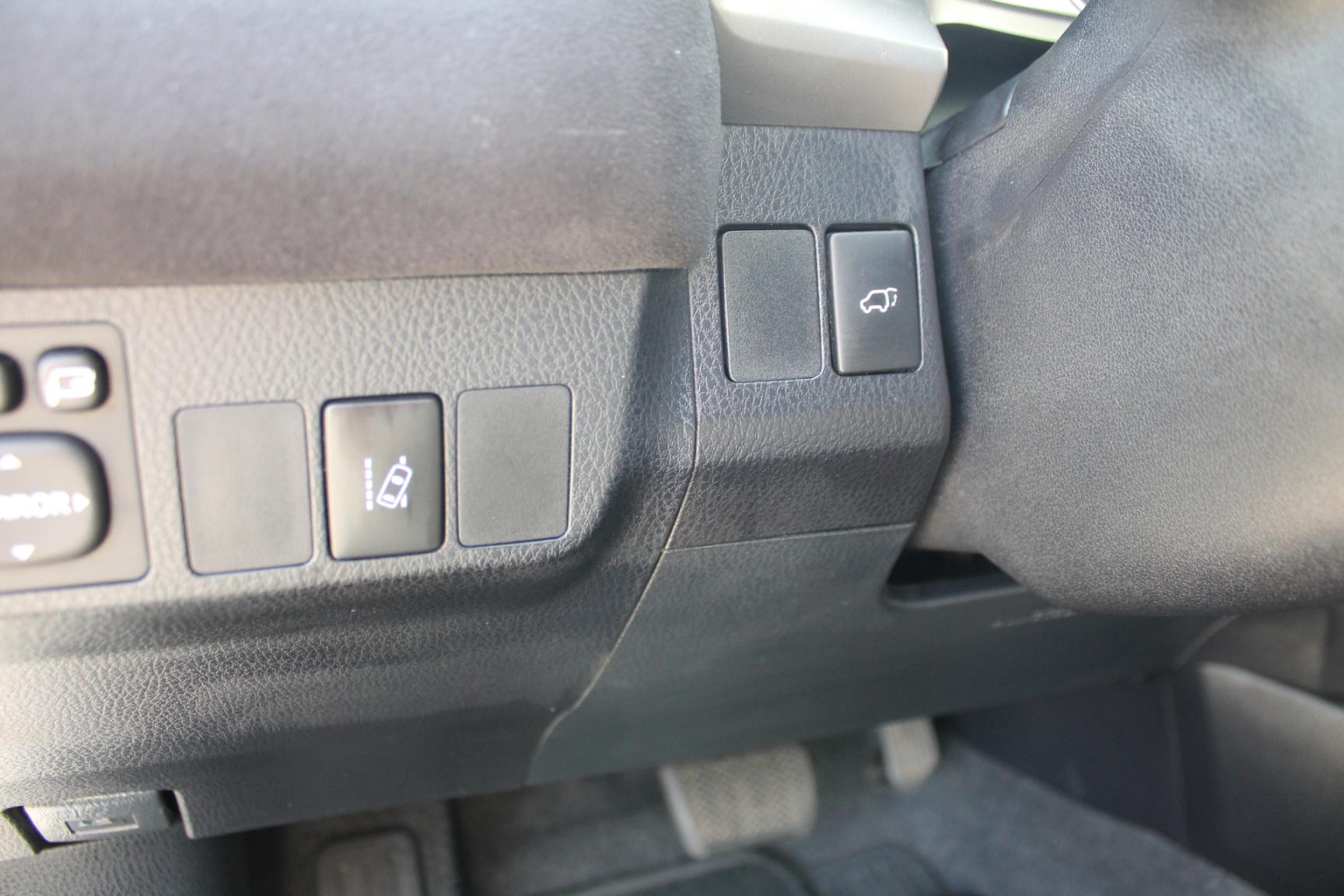 Toyota-RAV4-17