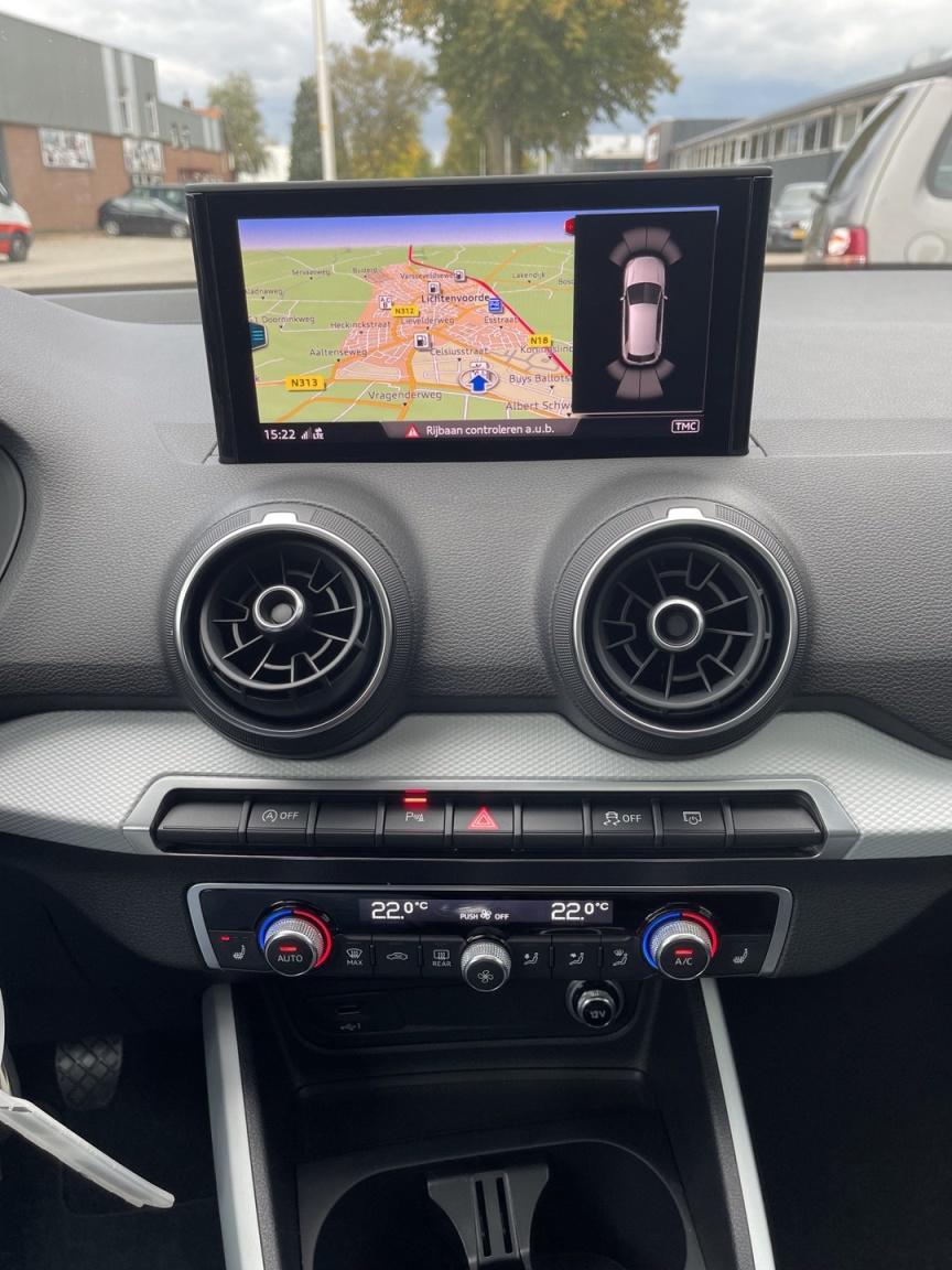 Audi-Q2-22