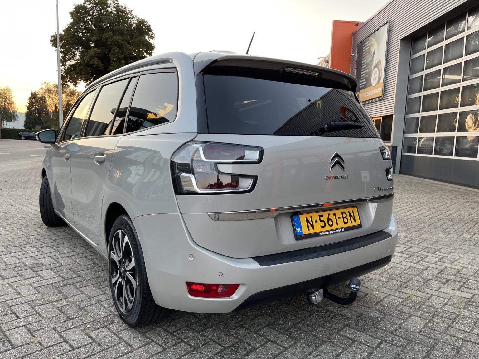 Citroën-Grand C4 Spacetourer-3